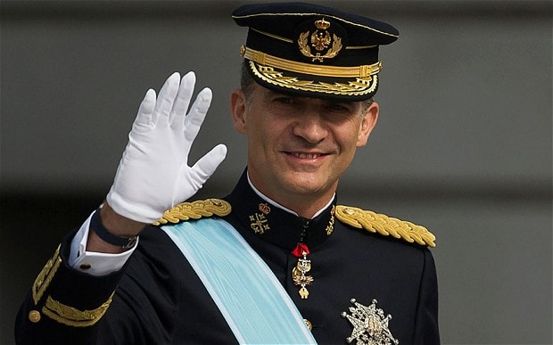 O Rei da Espanha deve enfrentar a nação depois que milhares saíram às ruas na Catalunha para protestar contra a violenta policial.