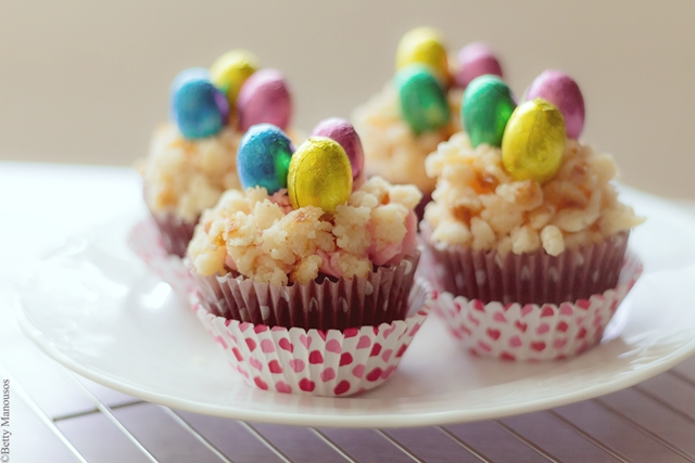 cute easter coconut cupcakes