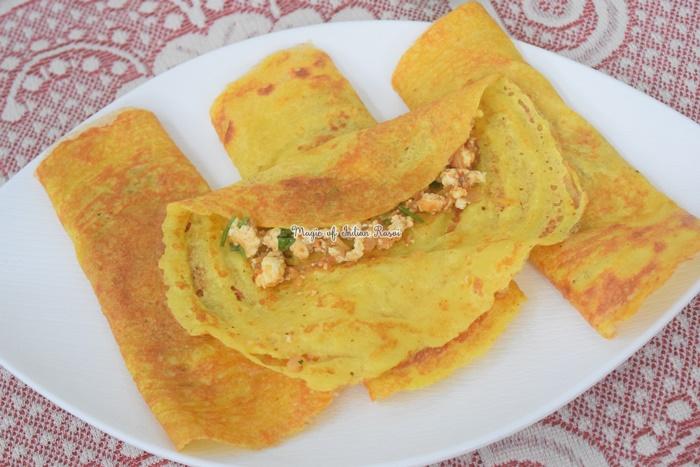 मूंग दाल चीला पनीर की स्टफिंग वाला रेसिपी -  Moong Dal Chilla with Paneer Stuffing Recipe in Hindi