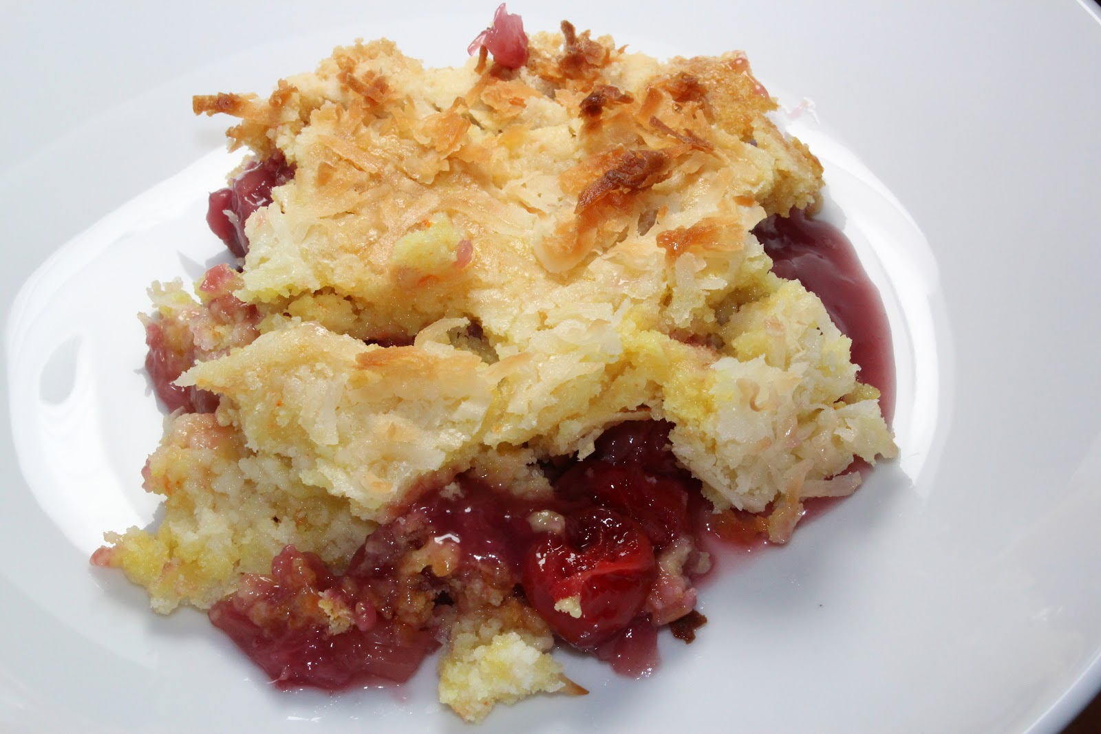 pineapple dump cake s tasty creations cherry pineapple dump cake 6541