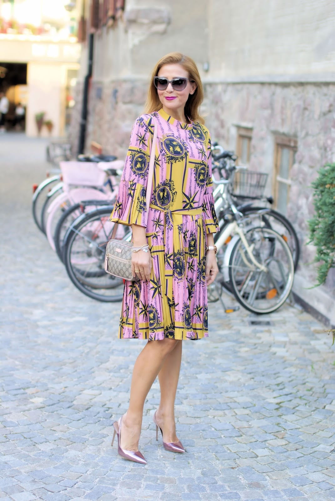 How to wear a plated dress in Fall with a Metisu dress on Fashion and Cookies fashion blog, fashion blogger style