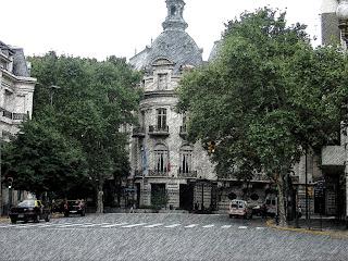 Embaixada da França, em Buenos Aires: Formato Arredondado na Esquina