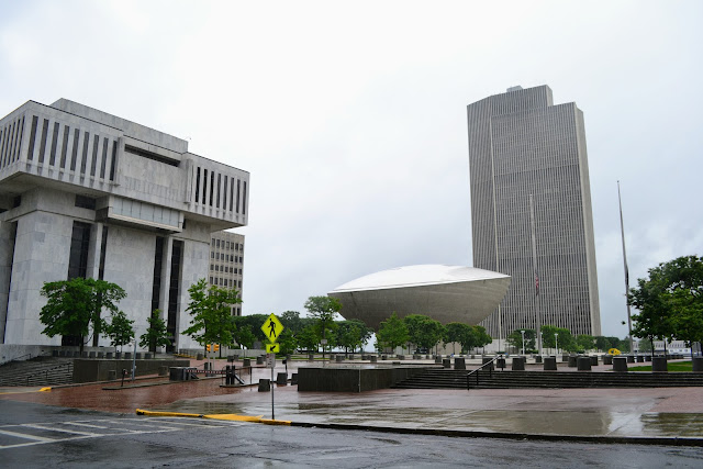 Емпарй Стейт Плаза, Олбані, штат Нью-Йорк, США ( Empire State Plaza. Albany, NY, USA)