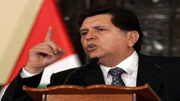 Acusan a expresidente Alan García por recibir pago de Odebrecht