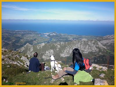 Vistas al mar cantábrico desde la cima del Pico Mofrechu