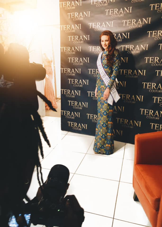 8eebd88dee5f I wanted to share with you all that I had the blessing of attending the Terani  Couture fashion show where about 100 dresses were showcased!