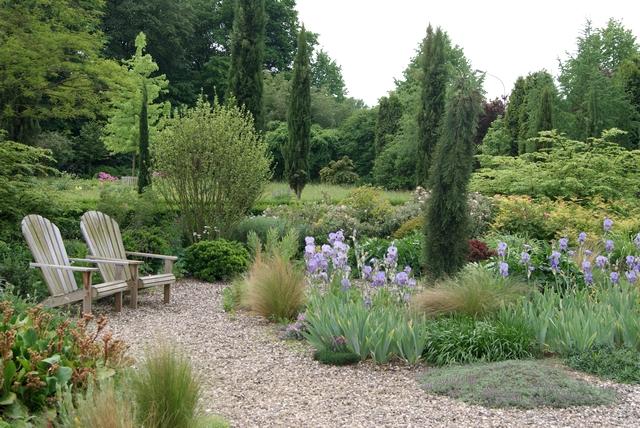 Filz und garten gartenblog ein kies und schattengarten - Schattengarten gestalten ...