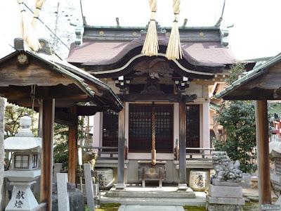 天王田八坂神社拝殿