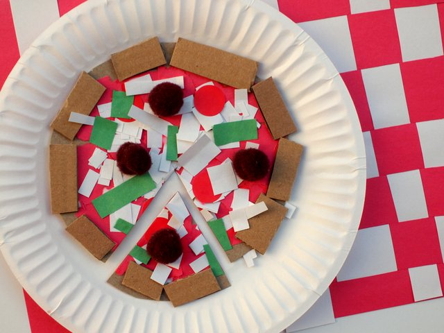 Cardboard Cereal Box Pizza Art and Craft Project for Kids
