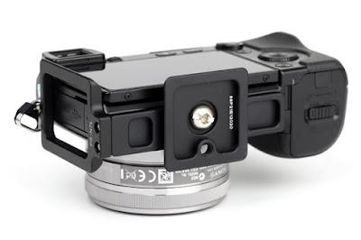 Sunwayfoto PSL-N7 on SONY NEX-7 side/bottom view