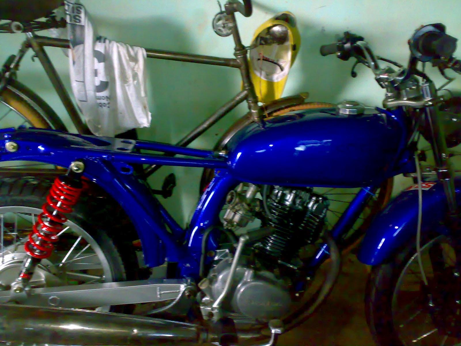 MOTOR HONDA CB 100BLUE FRESH FULL MODIFICATION SOLO