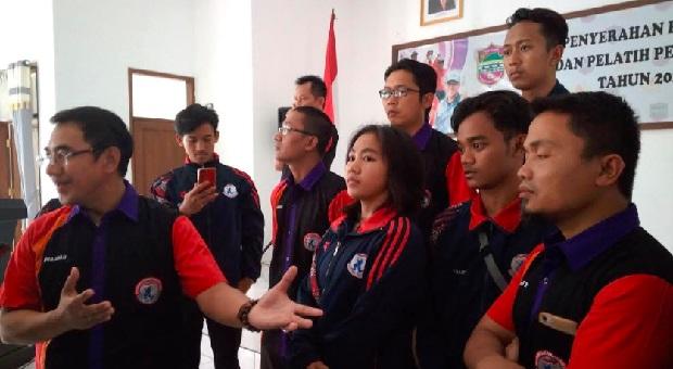 Herdiat Beri Uang Kadeudeuh Bagi Atlet Peraih Medali di Porda XIV