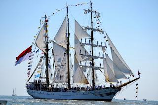Kapal Tiang Tinggi KRI Dewa Ruci