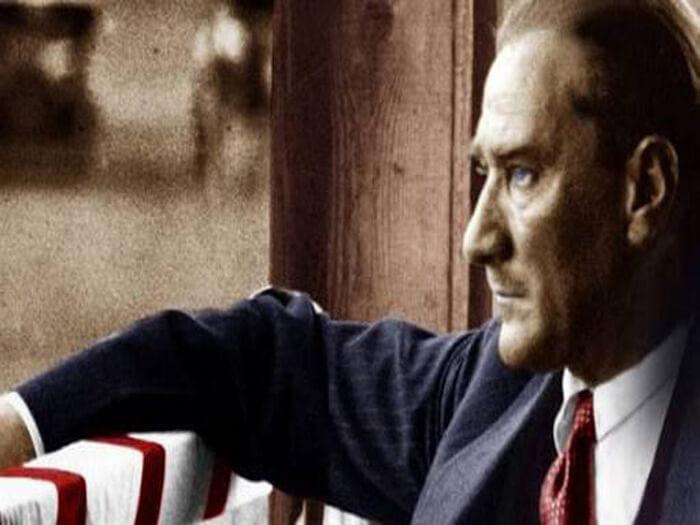 Rakyat Turki Menyanjung Mustafa Kamal Ataturk