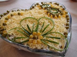 Салатик с курицей,грибами и сыром