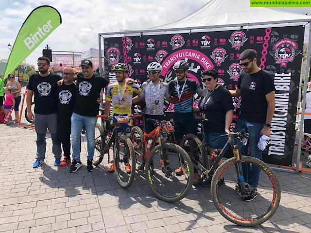 Ismael Ventura y Katayza Sierra vuelven a reinar en la K75 de la Transvulcania Bike
