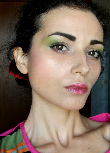 80's easy make-up, the ladylike look (perfect for Halloween) face make-up by Valentina Chirico