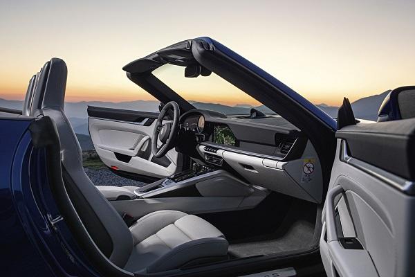 Porsche 911 Cabrio (992) 2019 Interior