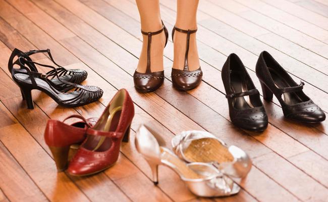 77% dos lares brasileiros compraram pelo menos um par de calçados em 2015