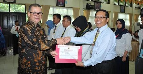 Wagub Nasrul Abit Tutup Diklat TOT dan Pengelolaan Barang Daerah
