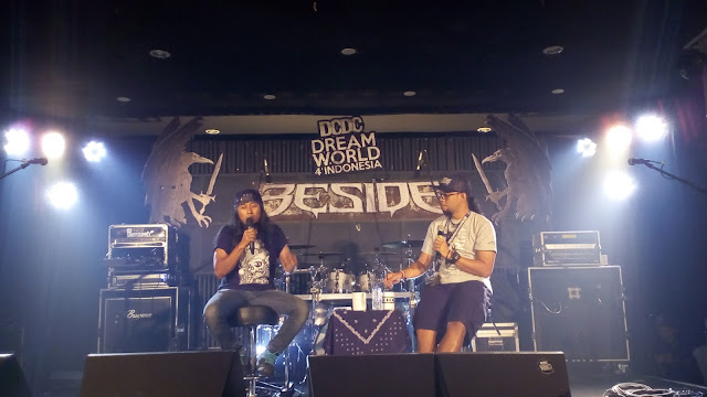 """Beside """"Two Decades of Aggression"""" di Cianjur"""