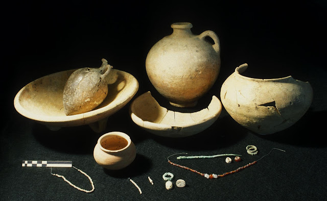 5,000 year old cosmetics, jewelry reveal the rise of ancient Jericho