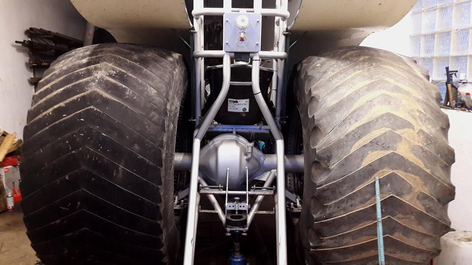 Cut Tractor Pulling Tires : Tractor pulling news pullingworld new tyres on