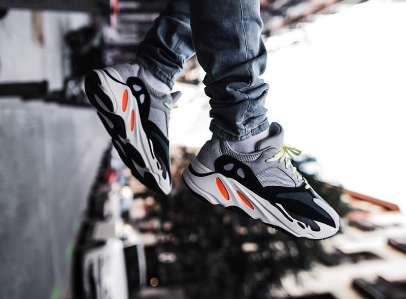 competitive price 8626b 28713 AnpKick Brand Street Footwear: Yeezy 700 Wave Runner Outfit ...