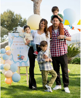 Checkout Beautiful Family Photo Of Lionel Messi, His Wife And Their Sons