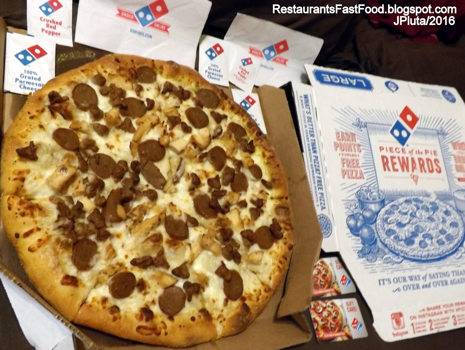 restaurant fast food menu mcdonald s dq bk hamburger pizza mexican domino s pizza large 3 topping sausage sliced sausage and chicken white cheese sauce pizza pie domino s pizza delivery restaurant