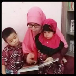 Belajar membaca dengan metode montessori