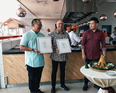 penghargaan trip advisor untuk hotel harris dan pop gubeng surabaya