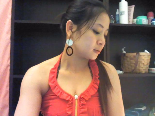 甜甜指油壓個人工作室̣(新莊越南) 電話0981548326