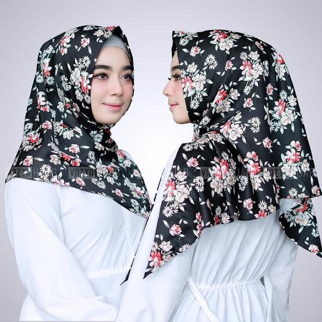 Hijab Kerudung Segitiga Instan ELYSA Terbaru Warna HITAM Cantik