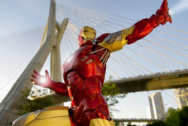 Especial: Fotografa flagra super-herois pela cidade 11