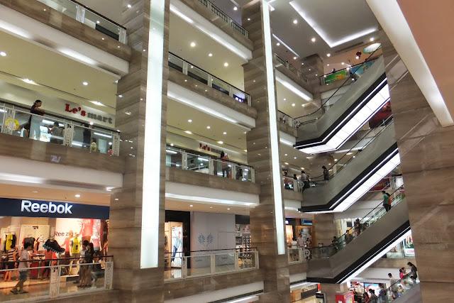 vincom-center-hanoi-inside