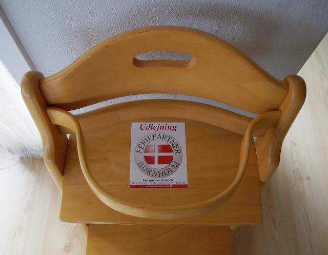 Bornholm mit Kindern im Herbst. Teil 2: Ankommen auf der Sonneninsel des Nordens. Bei Ferienpartner Bornholm kann man auch Kinderstühle ausleihen.