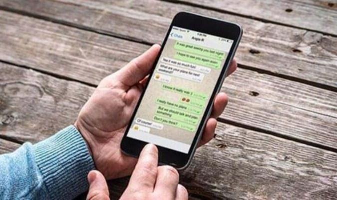 Berkirim Pesan Lewat Aplikasi WhatsApp