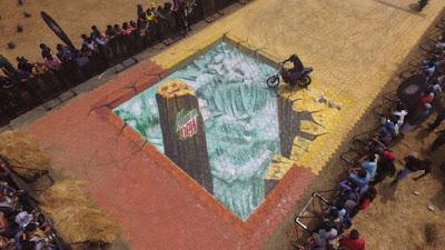 3D street Art Goa, 3D street Art India, 3D street painter India, 3D street painter Goa,3D chalk art Mountain Dew, India Bike Week 2016 Goa