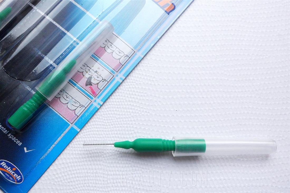 Jak pomalować najdrobniejsze rzęsy?