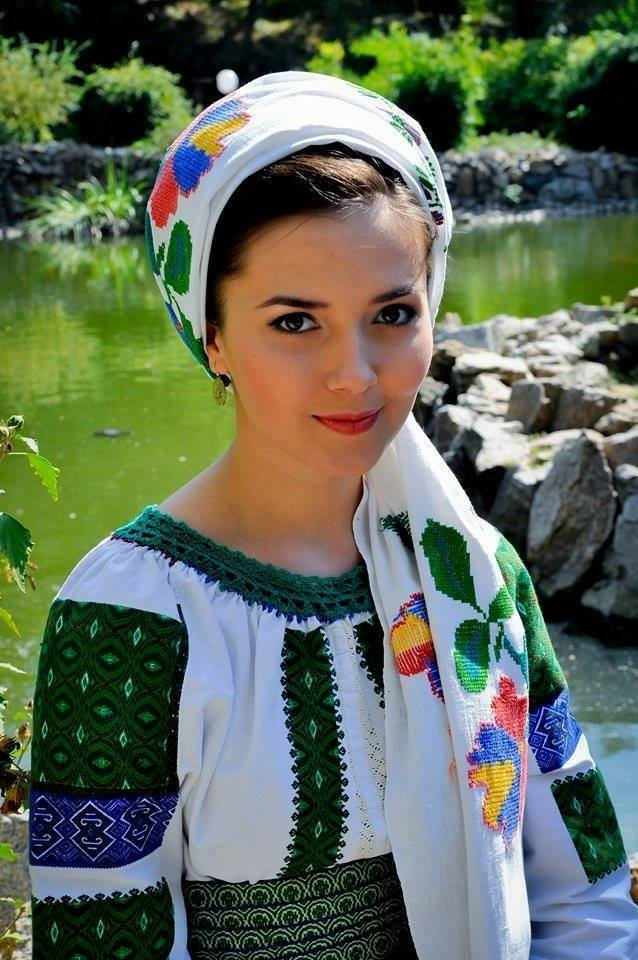 pictures of romanian women
