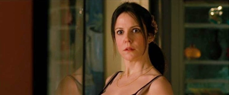 Movie And Tv Cast Screencaps Mary Louise Parker As Sarah Ross In Red 2010 50 Screen Caps