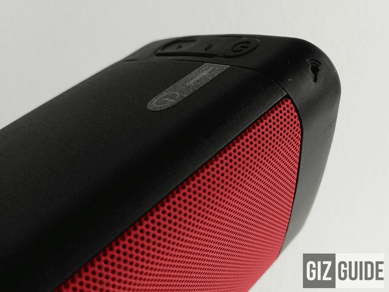 Microphone visible on the upper side