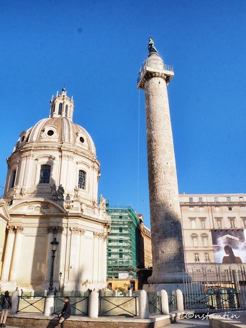 Columna lui Traian aflatã în spatele Palazzo Valentini - blog FOTO-IDEEA