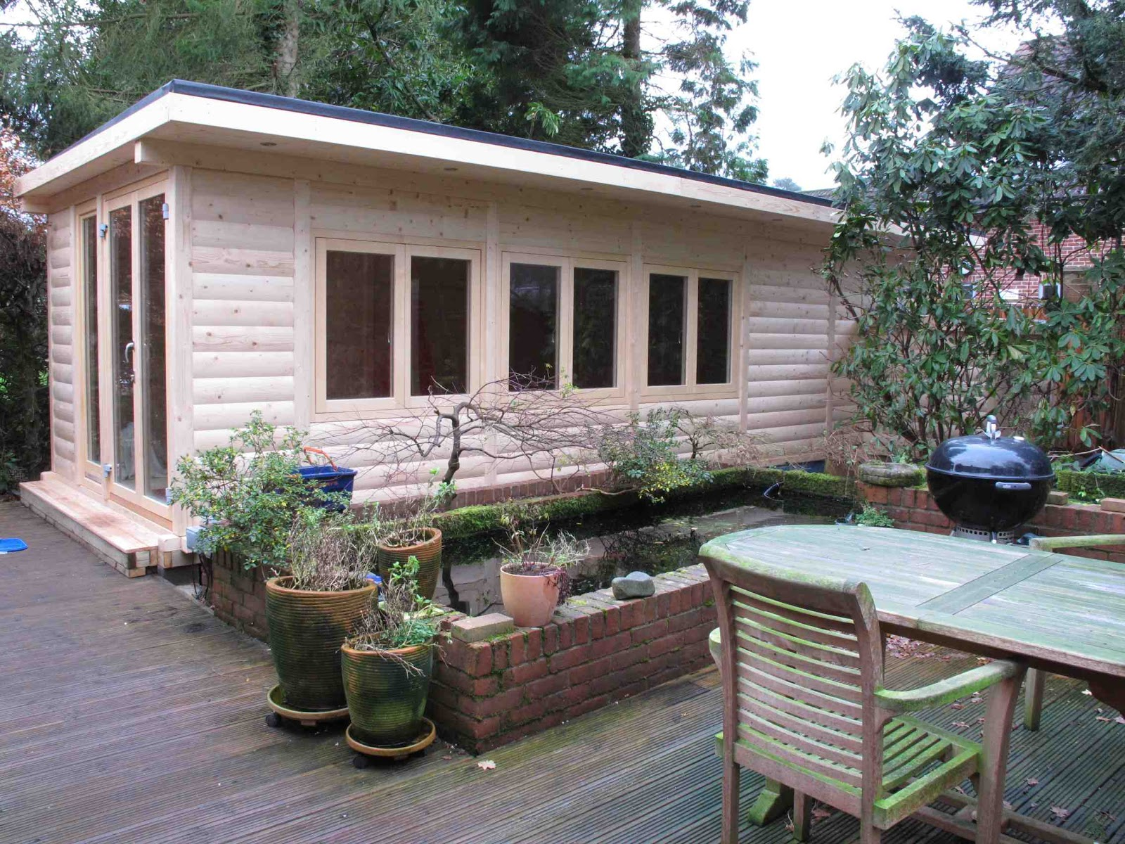 Shedworking: Garden office swimming pool