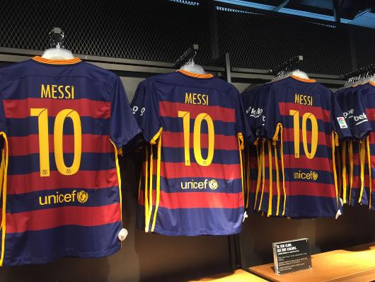 Messi domina el mercado británico de camisetas