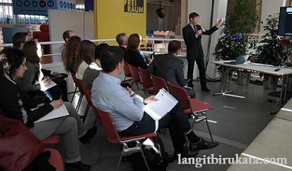 Pilihan Ungkapan Presentasi Bahasa Inggris