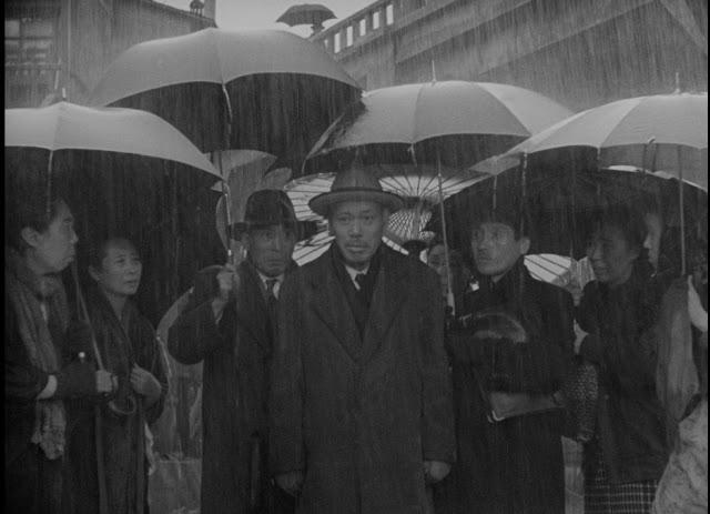 Imagen de 'Vivir (Ikiru) (1952)' - Takashi Shimura en el parque