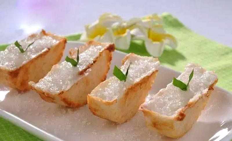 Kue Pancong (kulinernasional.com)
