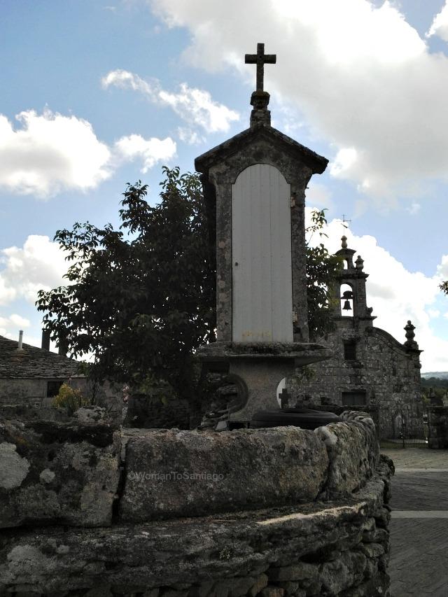 iglesia-santa-eulalia-de-boveda-lugo-camino-de-santiago-primitivo-womantosantiago